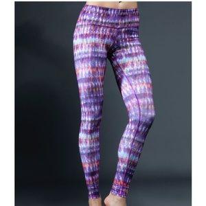 ALO YOGA Airbrushed Leggings Purple Bhakti {W4}